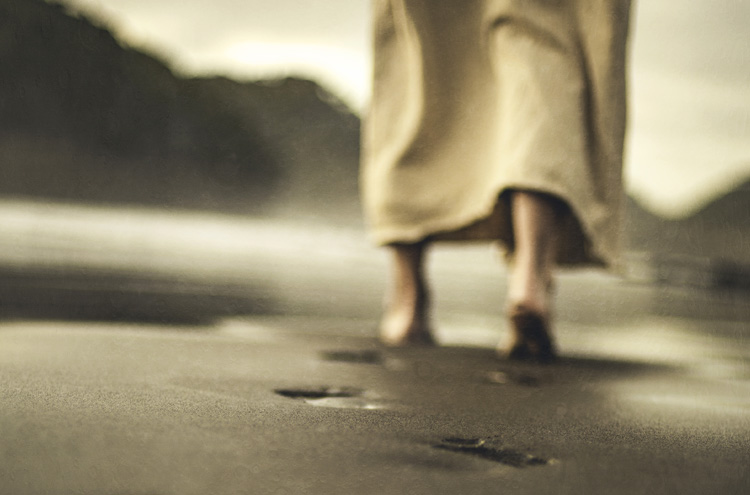 Jesus' footsteps - Are there two categories of Christians? Believers and Disciples?